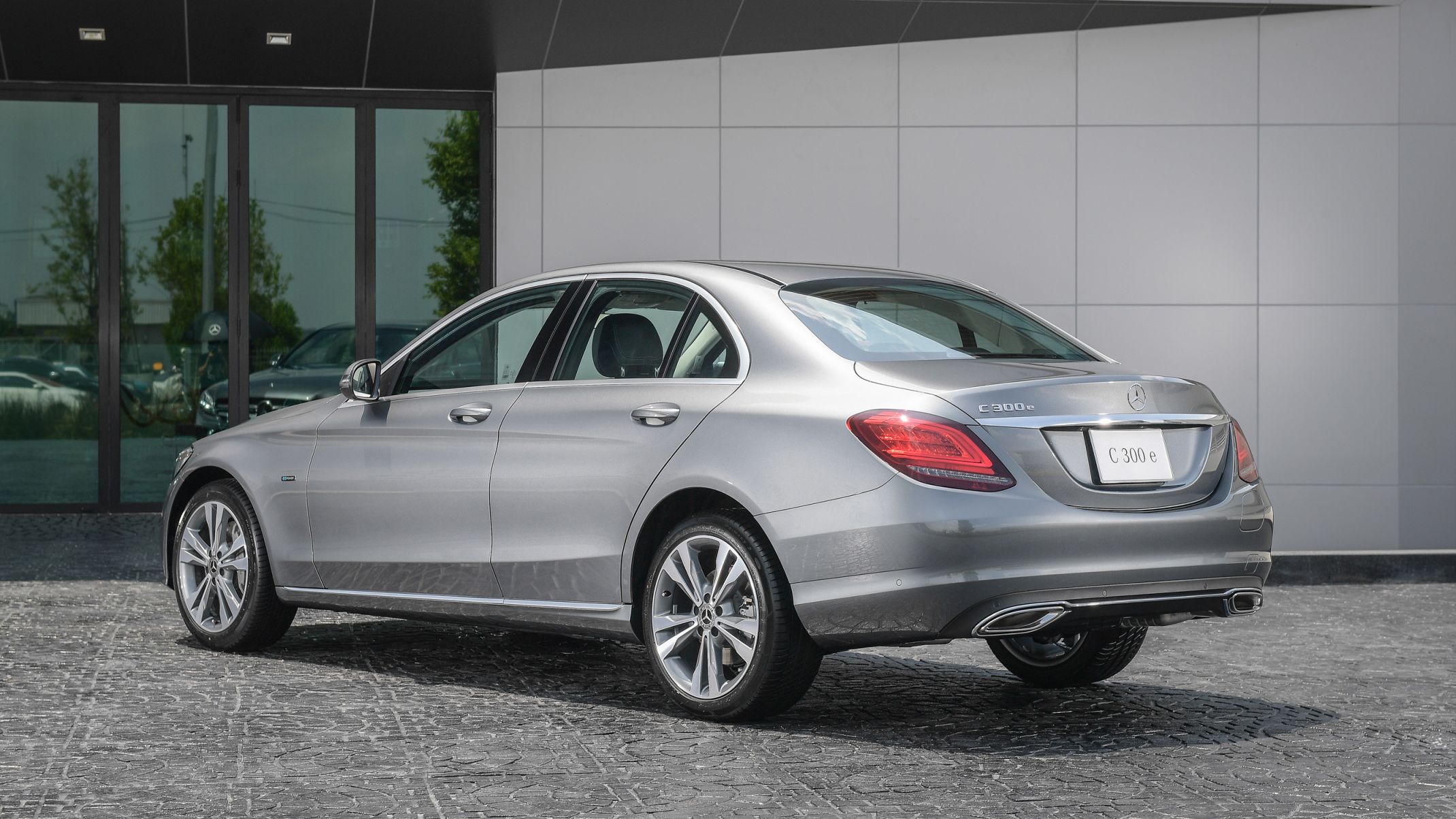 2019 Mercedes-Benz C300e Avantgarde